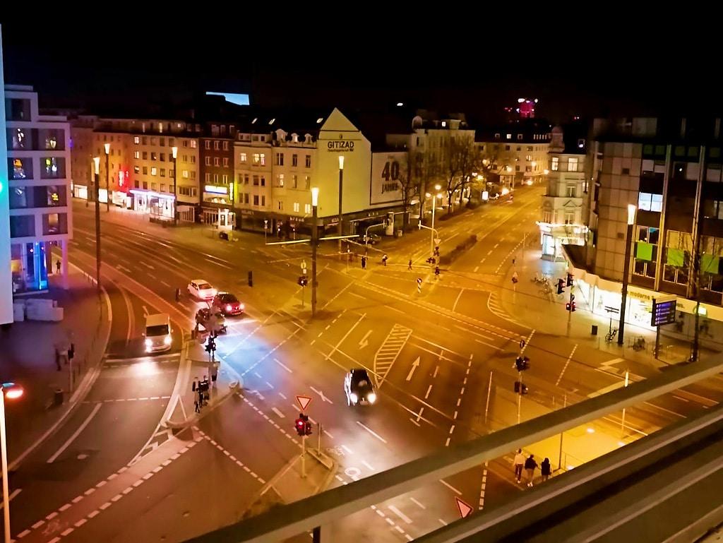 Kreuzung Bertha von Suttner Platz